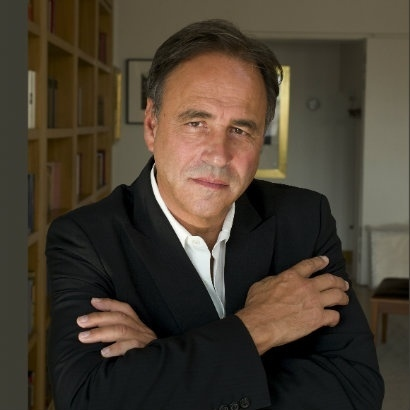 a picture of author Anthony Horowitz