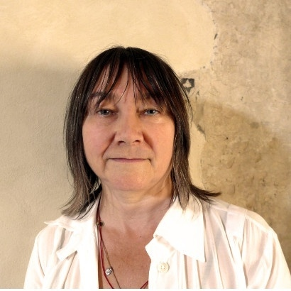 Head and shoulders image of author Ali Smith