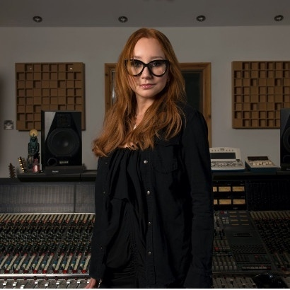 Head and shoulders photo ofAmerican singer, songwriter and author Tori Amos